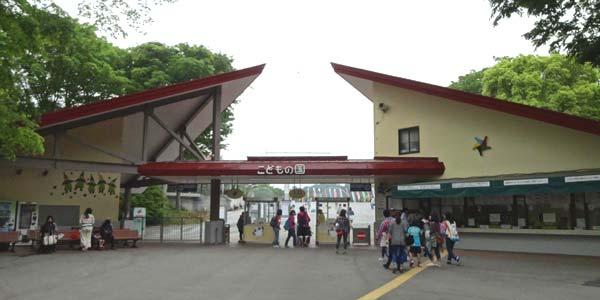 横浜こどもの国の駐車場はかなり十分・1日で遊び尽くせない充実度