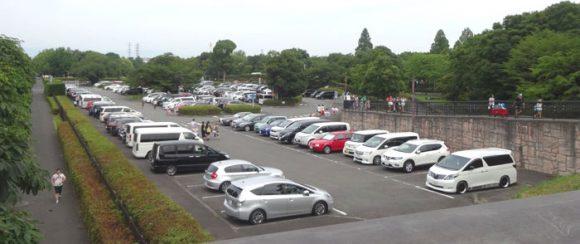 昭和記念公園のレインボープールの西立川口の駐車場