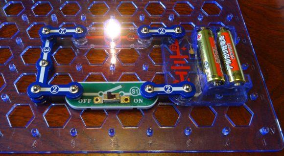 07_電脳サーキットは小学生が電気の仕組みを学べる電子回路の実験ブロック
