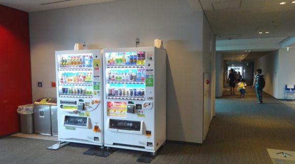日本科学未来館の駐車場、ランチのレストラン、自動販売機、アクセスの情報まとめ・7階自動販売機