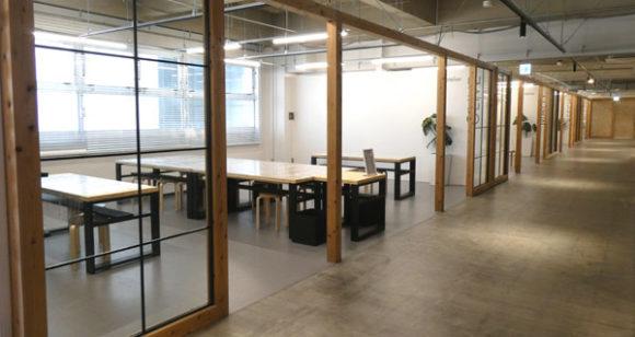 横浜駅直結の新設レジャー施設「アソビル」の3階のワークショップの教室