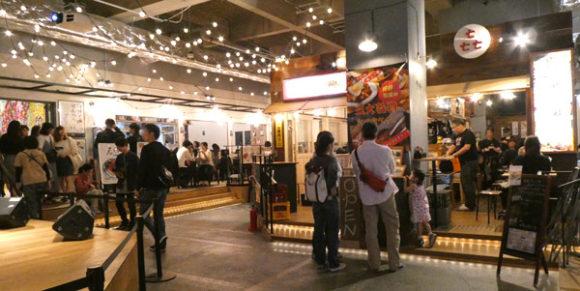 横浜駅直結の新設レジャー施設「アソビル」の1階のレストラン街