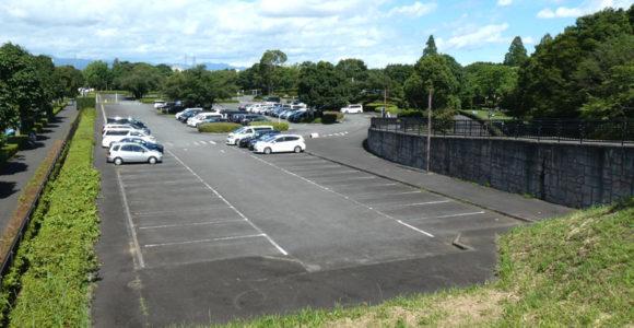 昭和記念公園・西立川口駐車場・ガラガラの駐車場は珍しい