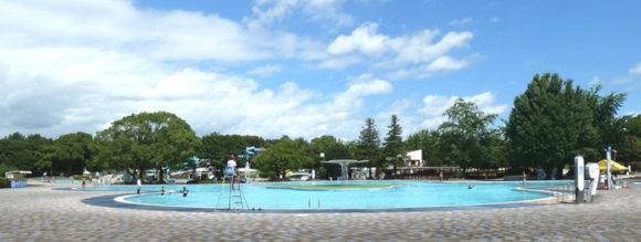 昭和記念公園のレインボープール・ガラガラのクローバープール