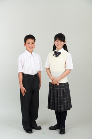 都立両国高校、および、附属中学の制服