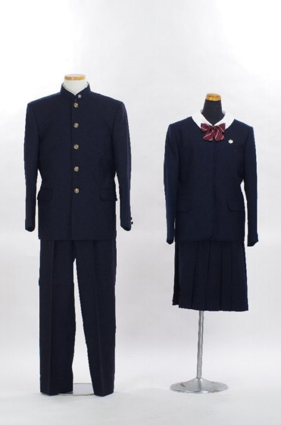 都立白鷗高校、および、附属中学の制服