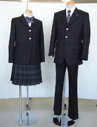 都立武蔵高校、および、附属中学の制服